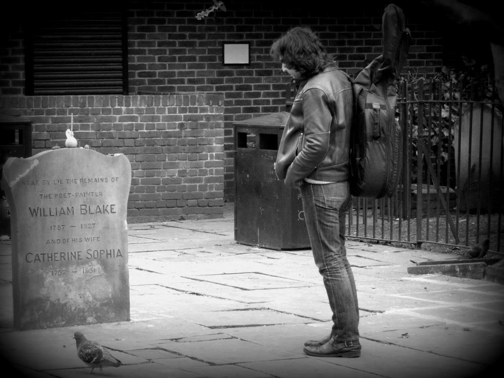 Thanos Grigoriou visiting William Blakes Gravestone