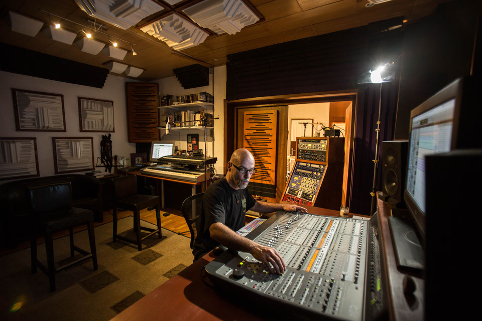 Devon Graves (Buddy Lackey) in his Studio